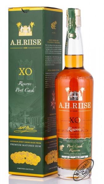 A.H. Riise XO Reserve Rum Port Cask Finish 45% vol. 0,70l