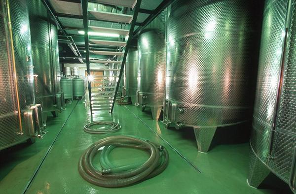 vinegar_fermentation_tank_Goelles