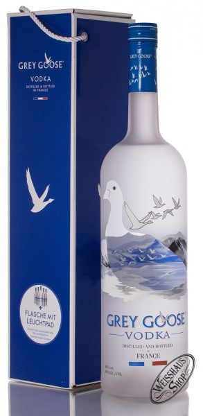 Grey Goose Vodka Magnum mit Leuchtpad 40% vol. 4,50l